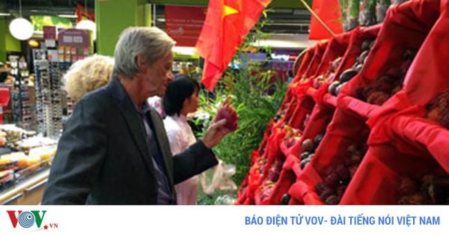 Đưa hàng Việt vào siêu thị nước ngoài: Miếng bánh ngon không dễ có