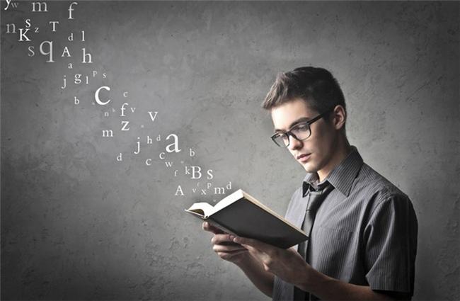Sau 5 năm nghiên cứu triệu phú, tôi nhận thấy họ có thói quen đọc khác với chúng ta