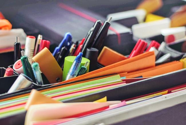 www.123nhanh.com: Mặt hàng bút bi giải tràn lan trên thị trường
