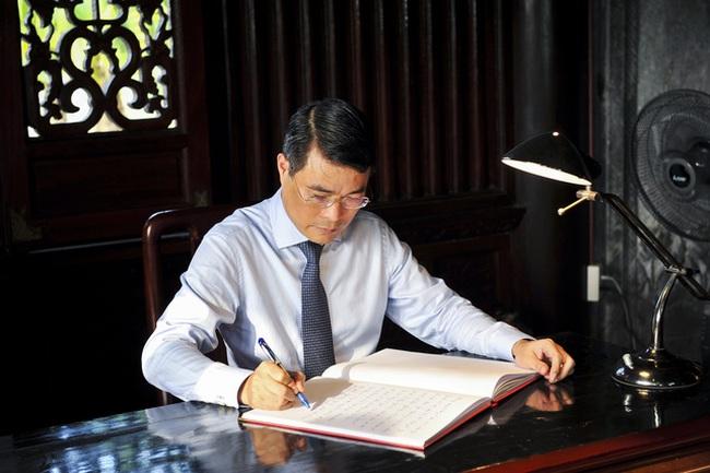 Thống đốc NHNN yêu cầu toàn ngành không chúc Tết, tặng quà lãnh đạo, không du xuân sau Tết