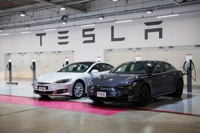 """Canh bạc mới của """"kẻ bán giấc mơ"""" Elon Musk"""