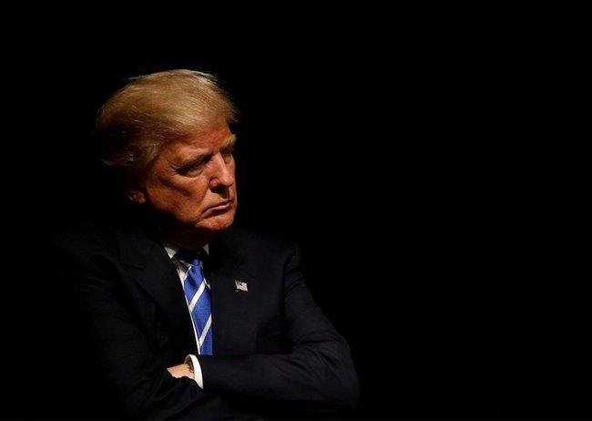 7 điều cho thấy Tổng thống Trump đang làm chính những điều mà ông từng chỉ trích ông Obama thậm tệ