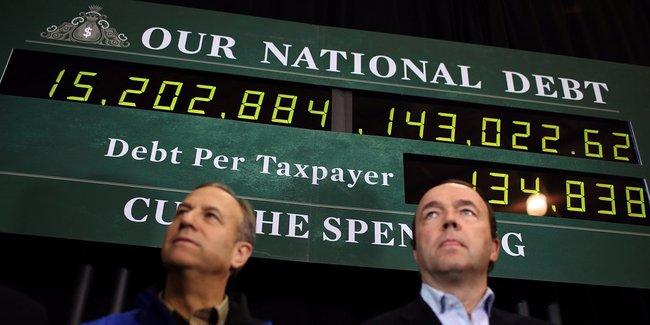 Lần đầu tiên trong lịch sử, núi nợ của Mỹ vượt qua mốc hơn 20.000 tỷ USD