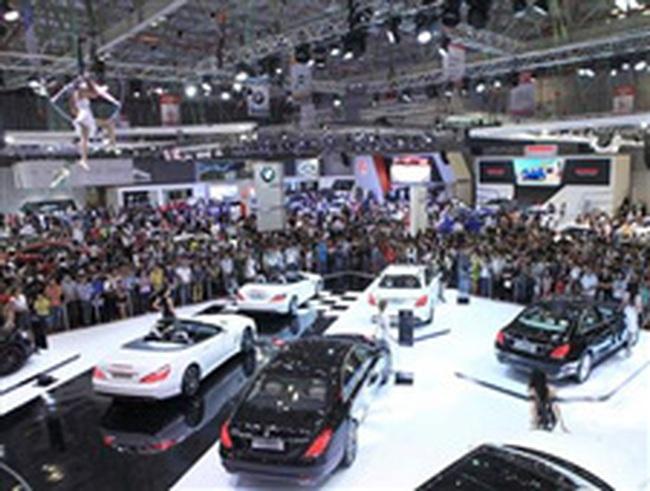 Tỷ lệ tăng trưởng của ô tô tại Việt Nam đang vượt xa xe máy