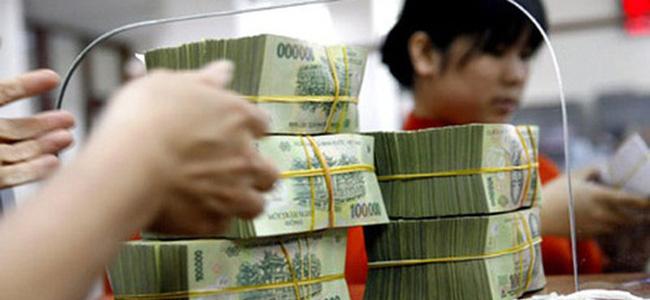 Những bất cập từ nền kinh tế tiền mặt
