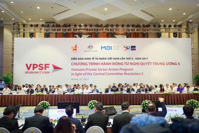 Thủ tướng đối thoại với hơn 1.000 doanh nhân, chuyên gia kinh tế