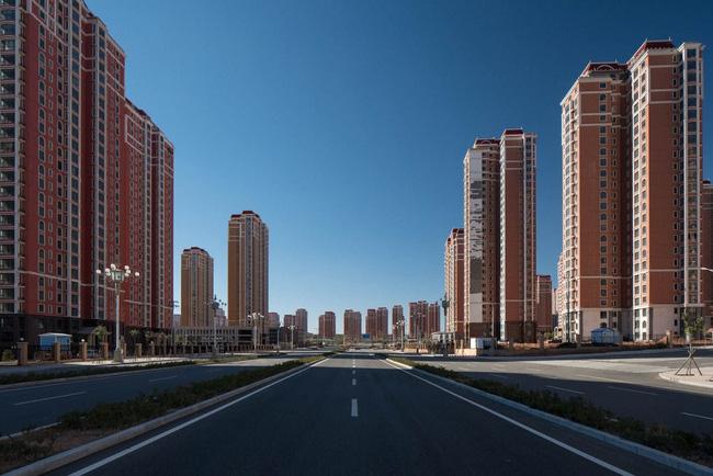 """Bên trong """"thành phố ma"""" lớn nhất Trung Quốc"""