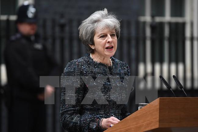 Thủ tướng Anh thảo luận Brexit với Tổng thống đắc cử Pháp
