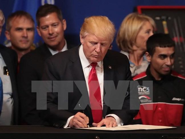 Tổng thống Mỹ Trump ký sắc lệnh lập ủy ban cố vấn về bầu cử