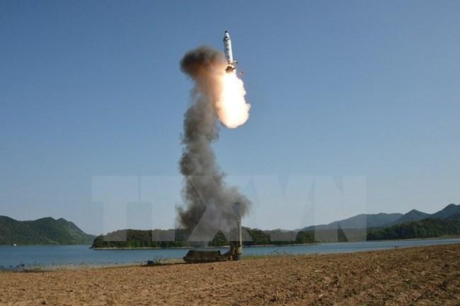 Quân đội Hàn Quốc: Tên lửa Triều Tiên đã bay khoảng 200 km
