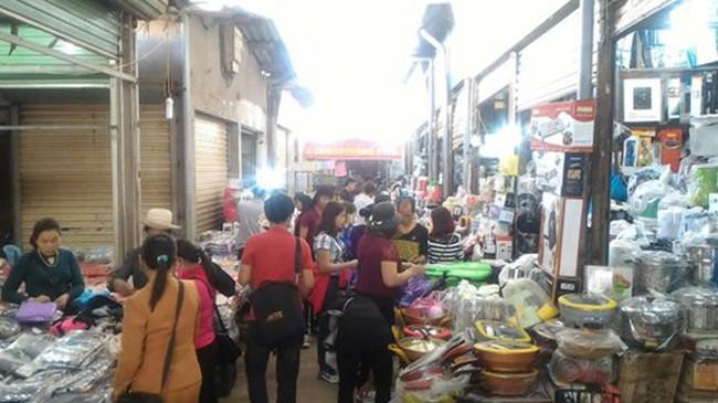 """Lạng Sơn: Tiểu thương kêu """"trời"""" vì chợ cổ hơn 100 tuổi bị """"xóa sổ"""""""