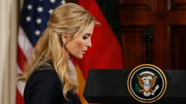 Con gái xinh đẹp của Tổng thống Trump chính thức vào làm việc không lương tại Nhà Trắng