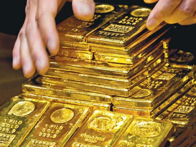 Bloomberg: Nhà đầu tư ào ạt đổ tiền đầu cơ vàng