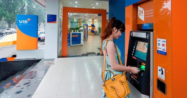 Người Việt đã bớt lệ thuộc hơn vào tiền mặt