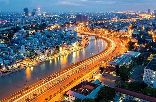 Hết World Bank lại đến ADB thay đổi quan điểm, tăng trưởng kinh tế Việt Nam ngoạn mục khiến nhiều dự báo trở nên lạc hậu?