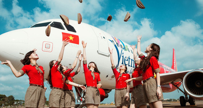 #Why: Bí mật sau quyết định bán vé 0 đồng của Vietjet Air hay khuyến mãi 50% của Viettel, Mobifone