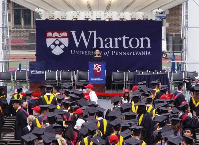 """7 trường đại học dành cho """"con nhà giàu"""""""