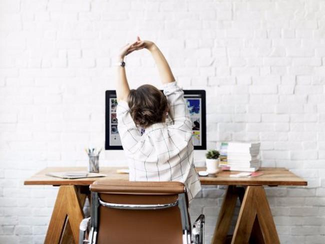 """4 việc """"cực đơn giản"""" nhất định phải thực hiện nếu ngồi cả ngày để làm việc"""