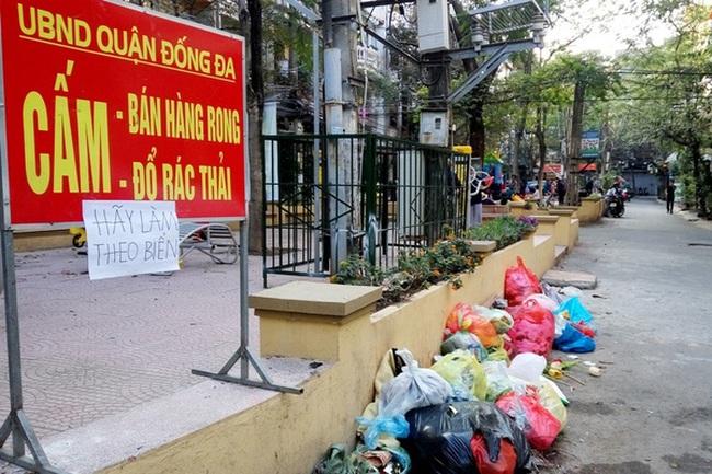 Khó xử phạt hành vi xả rác nơi công cộng