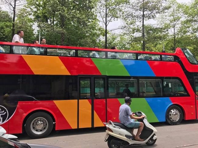 Xe buýt 2 tầng city tour chạy thử nghiệm trên nhiều tuyến phố của Thủ đô