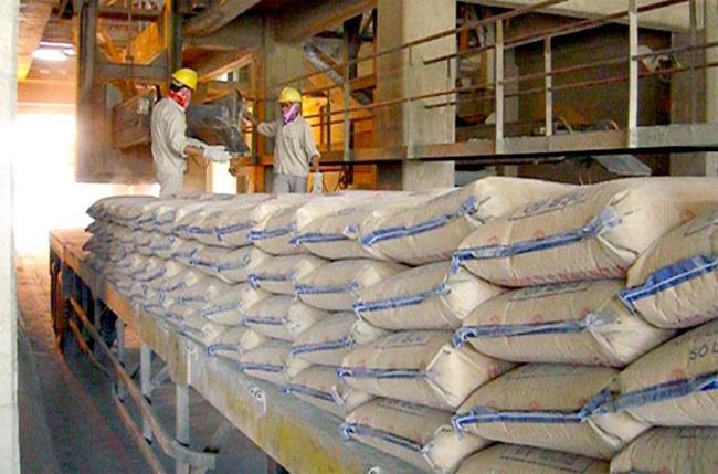 Xi măng tiêu thụ nội địa: Mới đạt hơn 60% kế hoạch