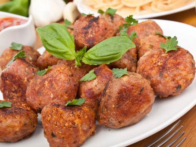 Những thực phẩm chứa chất gây ung thư cao mà bạn nên dừng ăn ngay hôm nay