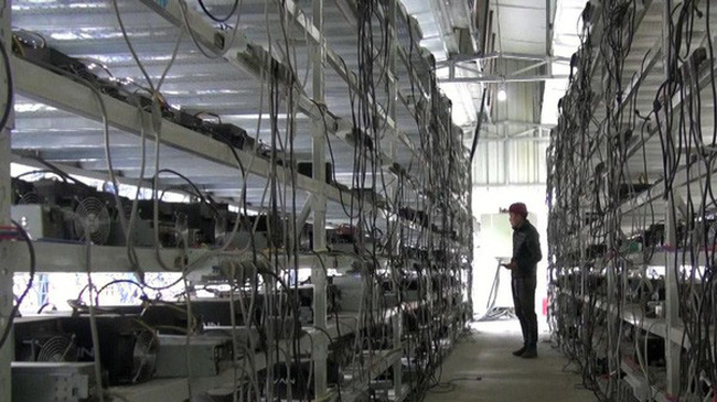 """Các """"mỏ"""" đào Bitcoin đang chuyển khỏi Trung Quốc"""