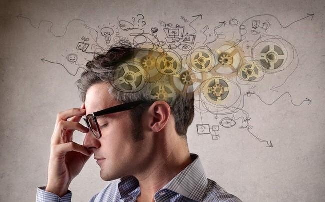 Không phải mọi người sinh ra đều là thiên tài, nhưng bất cứ ai cũng có thể thông minh hơn nếu dành một giờ mỗi ngày với 3 thói quen dưới đây