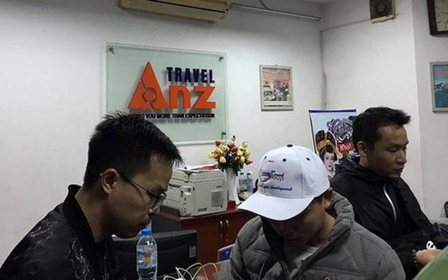 """64 du khách bị công ty du lịch """"bỏ rơi"""" tại cửa khẩu sang Trung Quốc"""