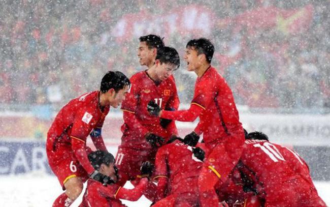 Làm nên lịch sử cho bóng đá Việt Nam, U23 Việt Nam nhận thưởng tổng cộng 23,6 tỷ đồng cùng hàng loạt hiện vật và dịch vụ hạng sang