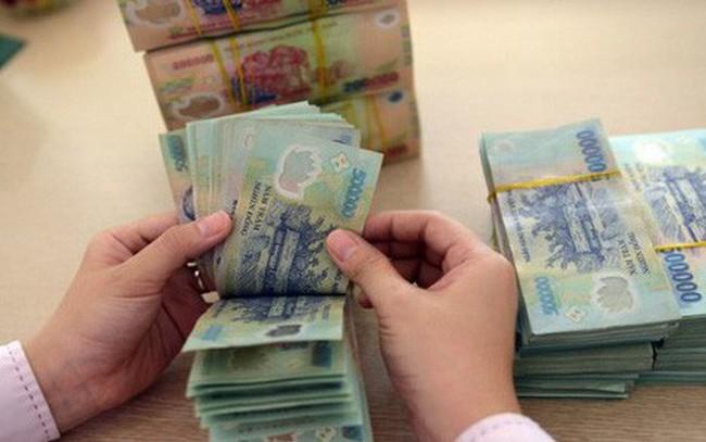 """Việt Nam nên chủ động """"giảm giá"""" VND một cách khéo léo"""