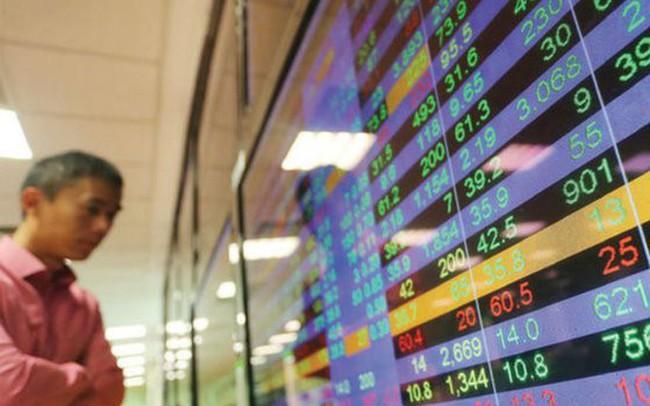 Có nên tiếp tục đầu tư vào cổ phiếu ngân hàng?