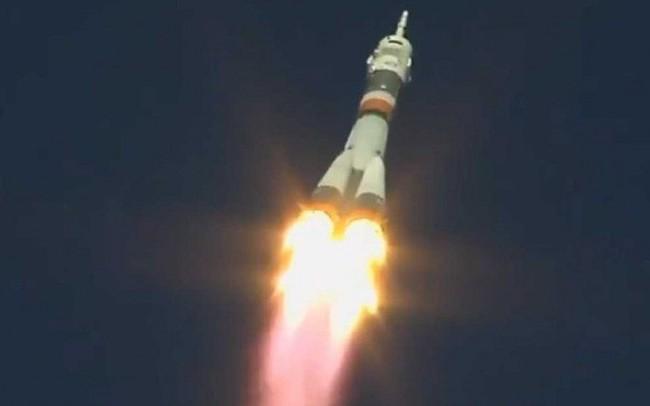 Tàu vũ trụ Nga gặp sự cố trong lúc phóng, phi hành đoàn may mắn thoát hiểm