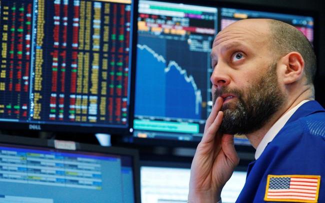 """Chứng khoán Mỹ vẫn """"đỏ lửa"""" trong ngày giao dịch đầu tuần"""