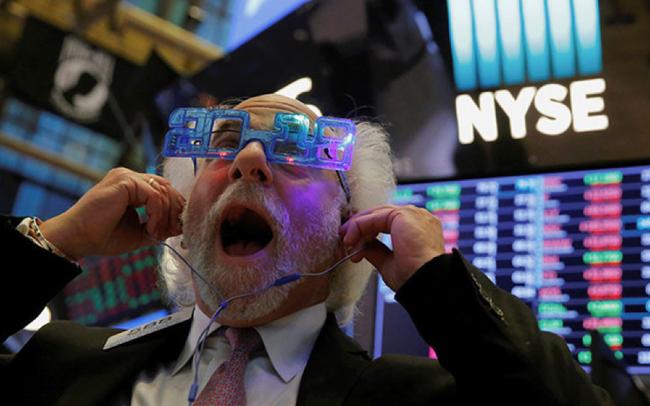 Dow Jones tăng hơn 500 điểm, mức tăng mạnh nhất kể từ tháng 3