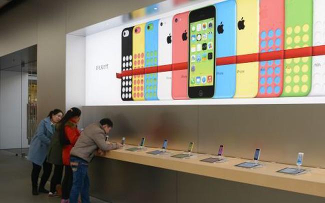 """Goldman cảnh báo thu nhập của Apple có thể giảm trong năm nay do nhu cầu """"sụt giảm một cách nhanh chóng"""" ở Trung Quốc"""