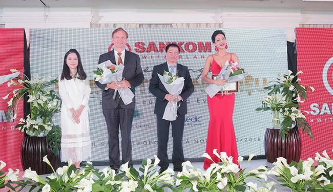 Chủ tịch Tổ chức Y tế và Dinh dưỡng thế giới dự lễ ra mắt thương hiệu Sankom tại Việt Nam