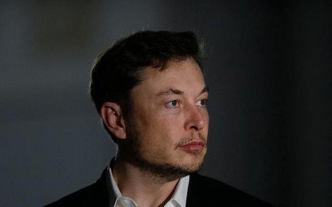 """Cứ nói Elon Musk """"mất trí"""", """"điên rồ"""" đi, ông vẫn là Người Sắt thực thụ: Tesla thản nhiên báo lãi 300 triệu USD"""