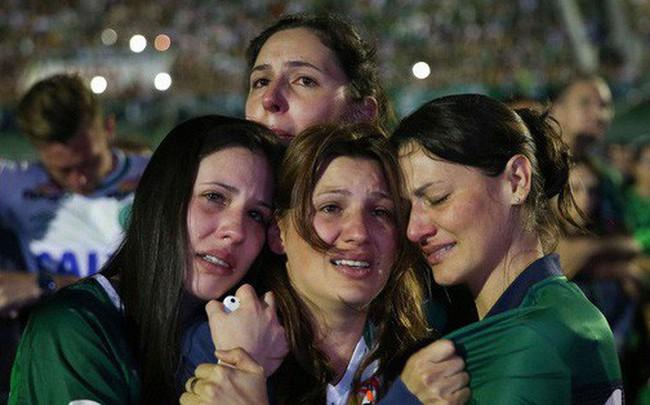 10 thảm họa hàng không thương tâm nhất lịch sử bóng đá thế giới