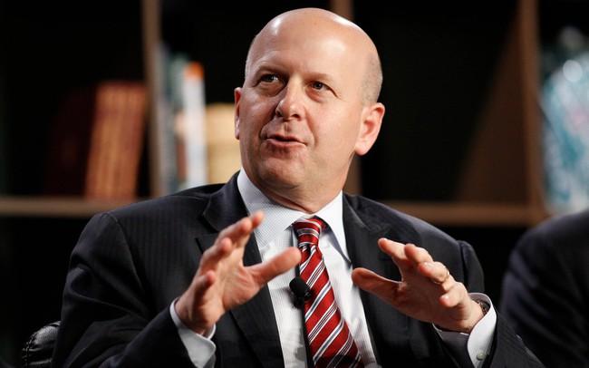 Sếp mới của Goldman Sachs: Mọi người co rúm vào góc khi tôi bước vào thang máy cho đến lúc họ biết tôi có nghề tay trái là DJ