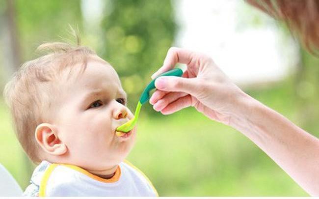 Trẻ mắc tay chân miệng cần có chế độ dinh dưỡng như thế nào?