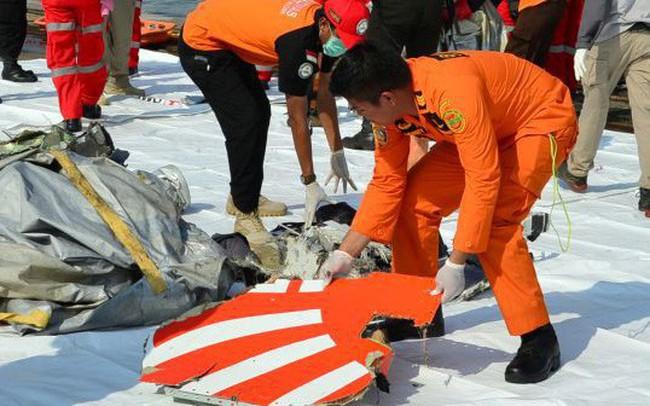 """""""Tìm thấy xác máy bay Boeing 737 của Lion Air dưới đáy biển"""""""