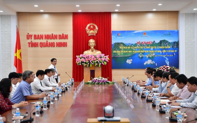 Vietcombank ký kết thỏa thuận hợp tác với UBND tỉnh Quảng Ninh và Tập đoàn FPT cung cấp dịch vụ thanh toán phí, lệ phí dịch vụ công