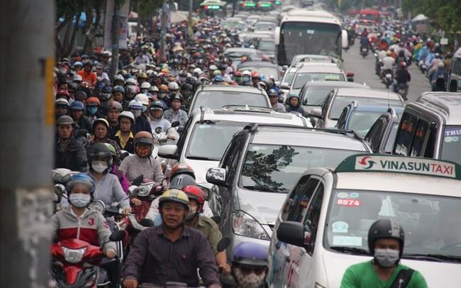 TPHCM: Quá tải giao thông tại cửa ngõ khu Nam