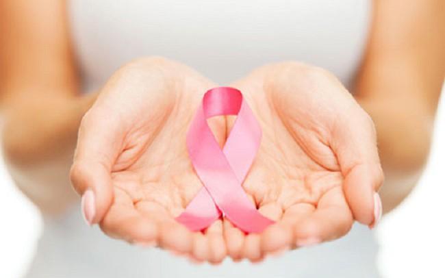 """Thay đổi lối sống một chút có thể giúp phụ nữ """"chặn đứng"""" bệnh ung thư vú, nam giới cũng không nên bỏ qua"""