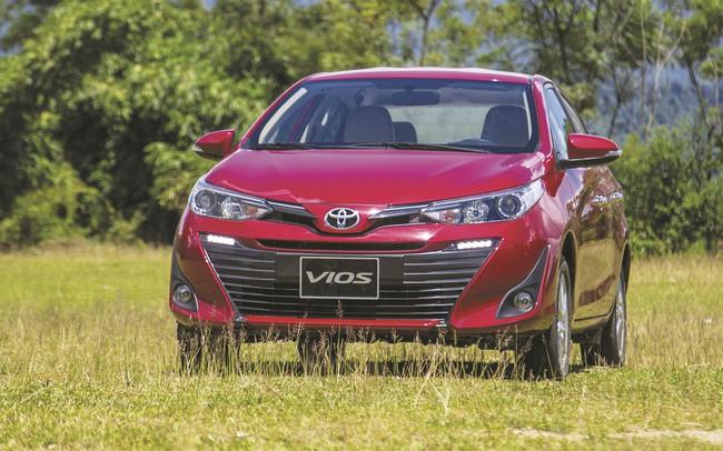 """Top 10 ô tô bán chạy nhất tháng 10/2018: Toyota Wigo trở thành """"ngôi sao"""" mới trên thị trường ô tô"""
