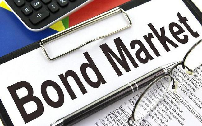 ADB: Thị trường trái phiếu Việt Nam bị ảnh hưởng từ việc USD tăng giá mạnh