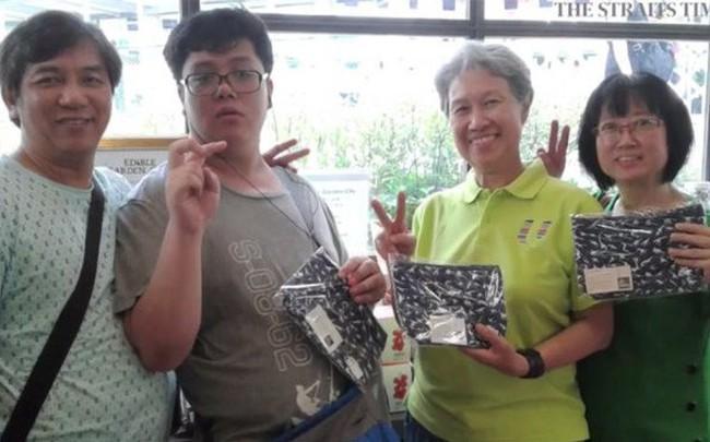 Chiếc ví của phu nhân Thủ tướng Lý Hiển Long và câu chuyện về phát triển doanh nghiệp bền vững