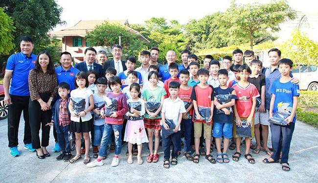 Việt Nam Suzuki đồng hành cùng bóng đá nước nhà vươn tầm thế giới