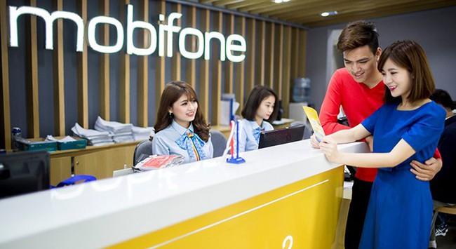 MobiFone: 25 năm hết lòng vì khách hàng